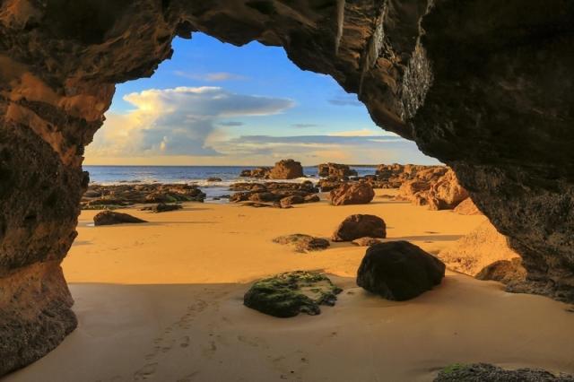 Caves Beach, NSW Australia